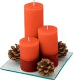 Set van 3 kaarsen op een glazen plaat